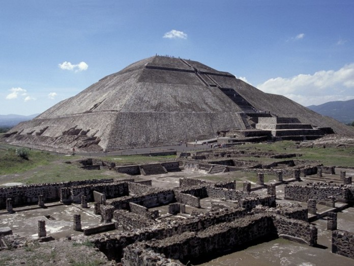 Pyramid of the sun, Pyramid of the sun in teotihuacan photo, Pyramid of the sun in teotihuacan image, Pyramid of the sun in teotihuacan is collapsing march 2014, scientists believe Pyramid of the sun in teotihuacan is collapsing, Pyramid of the sun collapse, Pyramid of the sun is collapsing, Pyramid of the sun in teotihuacan. Photo: MCDA Library, Mexican Pyramid of the Sun could collapse, Mexico s Pyramid of the Sun in danger of collapse, Mexico's Pyramid of the Sun could collapse, Huge Mexican pyramid could collapse like a sandcastle, Mexico's great pyramid under threat of collapse