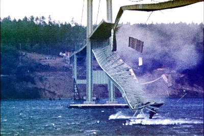"Tacoma Narrows Bridge Collapse ""Gallopin' Gertie"", Tacoma Narrows Bridge Collapse ""Gallopin' Gertie"" video, video of Tacoma Narrows Bridge Collapse ""Gallopin' Gertie"", amazing earth phenomenon: video of Tacoma Narrows Bridge Collapse ""Gallopin' Gertie"", Tacoma Narrows Bridge Collapse, Tacoma Narrows Bridge (1940), bridge construction failure, bridge construction failure video: the tacoma narrows bridge collapse, The 1940 Tacoma Narrows Bridge collapsing in a 42 miles per hour (68 km/h) gust on November 7 1940. Photo: Barney Elliott, Tacoma-Narrows-Brücke, Tacoma-Narrows-Brücke video, Tacoma Narrows Bridge effondrement, vidéo de l'effondrement du Tacoma Narrows Bridge, pont de Tacoma effondrement vidéo, effondrement du pont du détroit de Tacoma en vidéo"