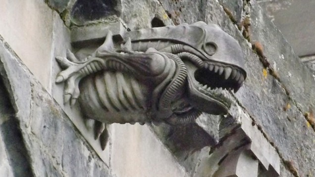 gargoyle, gargoyle image, weird gargoyle photo, 13th Century Paisley Abbey Alien gargoyle, best alien gargoyle, alien gargoyle, alien church gargoyle, strangest gargoyle images, weirdest gargoile images, strange gargoyle on ancient churches, ancient church gargoyles