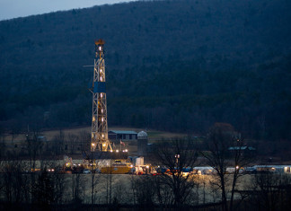 Ohio fracking drilling shut down after quakes, Fracking quake Ohio - March 11 2014, fracking quake march 2014, frackquake, earthquake fracking usa march 2014, Fracking quake Ohio - March 11 2014. Photo: Reuters, Ohio fracking drilling shut down after quakes march 2014, Ohio fracking drilling shut down after quakes ohio march 2014, Carbon Limestone Landfill in Lowellville fracking, stops because of fracking quakes, Ohio fracking plant closed because of quakes march 2014, Ohio fracking drilling shut down after quakes