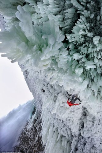 best ice climbing falls, extreme ice climbing falls in Canada, daredevil Helmcken falls canada, Canada Helmcken Falls daredevil photo and video, ice climbing at frozen Helmcken Falls