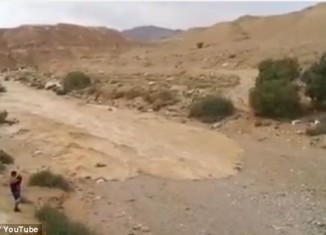 Re-birth of River Zin video, river Zin re-birth video, the zin river in Negey desert in Israel is reborn video, Israel river zin re-birth, a river in Israel desert is reborn, river zin in israel dersert Negev is reborn, new river in Israel desert, Re-birth of River Zin in the Negev Desert in Israel. Photo: Youtube