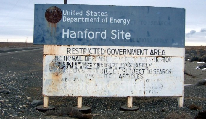 Hanford Nuclear site, Hanford Nuclear site is not designed to handle updated earthquake risks, Hanford Nuclear site, Hanford Nuclear facility, Hanford Nuclear is prone to earthquake, earthgquake problems at Hanford Nuclear site, Hanford Nuclear site earthquake problems, earthquake risk at Hanford Nuclear site, Hanford Nuclear site quake risks, nuclear disaster: Hanford Nuclear site is prone to earthquake, Hanford Nuclear cannot resist large earthquake, Hanford Nuclear Reservation sign, Hanford Nuclear site is not designed to handle updated earthquake risks. Photo Wikipedia