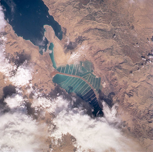 View of the mineral evaporation ponds almost 12 years later (STS-102). A northern and small southeastern extension were added and the large polygonal ponds subdivided. Photo: NASA, amazing salt ponds at dead sea, discover the salt ponds at dead sea, View of the mineral evaporation ponds almost 12 years later (STS-102). A northern and small southeastern extension were added and the large polygonal ponds subdivided.