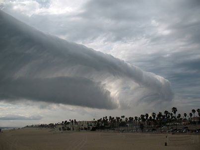 roll cloud, weird cloud huntington beach my 2014, strange cloud photo: wave cloud  over Huntington beach, scary cloud over huntington beach california may 2014, scary cloud photo, strange cloud photo, apocalyptic cloud photo huntington beach california may 2014, amazing weather phenomenon: roll clouds, roll clouds over Huntington Beach California, strange cloud: roll clouds huntington beach, tsunami clouds photo may 2014, strange clouds photo may 2014, photo of strange clouds usa, strange sky phenomenon: tsunami or wave clouds rolling over Huntington beach in California may 2014, Amazing wave cloud Huntington Beach California may 7, 2014. Photo: Alerta Roja Noticias