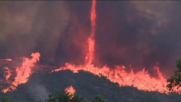 firenado may 2014, firenado wildfire california may 2014, Firenado during San diego county wildfires may 2014