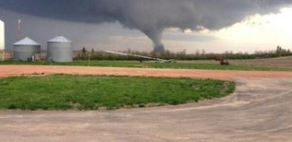 Watford North Dakota tornado, tornado watford nD video, video of Watford ND may 2014, close video of twister in ND May 2014, video tornado North Dakota May 2014, tornado USA May 2014, tornado video may 2014, tornado Watford North Dakota May 2014, North Dakota Tornado: The twister touched down Monday evening about six miles south of Watford City, North Dakota on May 25, 2014