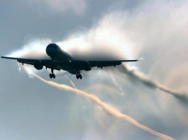 Apocalyptic picture of wake vortex: Is this plane about to explode? Photo: Euro Control, wake vortex scary photo, wake vortex danger, are wake vortex dangerous, weird plane phenomenon, weird phenomenon during plane take-off and landing, strange phenomenon plane, wake vortex plane apocalypse