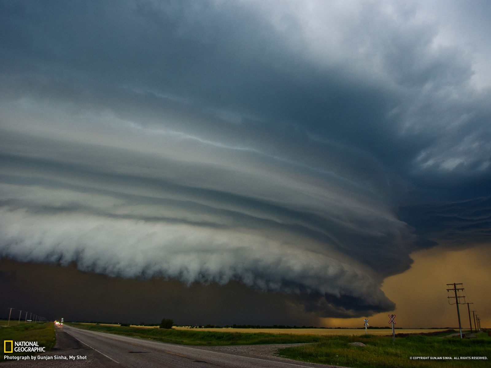 Shelf cloud, Shelf clouds, Shelf, amazing shelf cloud photo, best shelf cloud photo, Shelf Cloud over Saskatchewan, Canada on May 9, 2013
