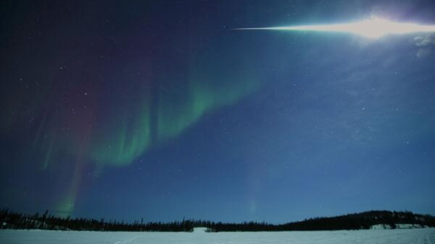 amazing fireball Yellowknife Canada
