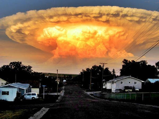 dangerous clouds: Amazing Anvil clouds, discover dangerous clouds, what are dangerous clouds, recognize dangerous clouds: anvil clouds, Amazing Anvil clouds. Photo found on netdost.com
