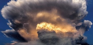 Cumulonimbus cloud, Cumulonimbus clouds, Cumulonimbus clouds are a sign of a maturing thunderstorm, which may produce heavy rain, hail and dangerous lightning photo, best photo of Cumulonimbus clouds