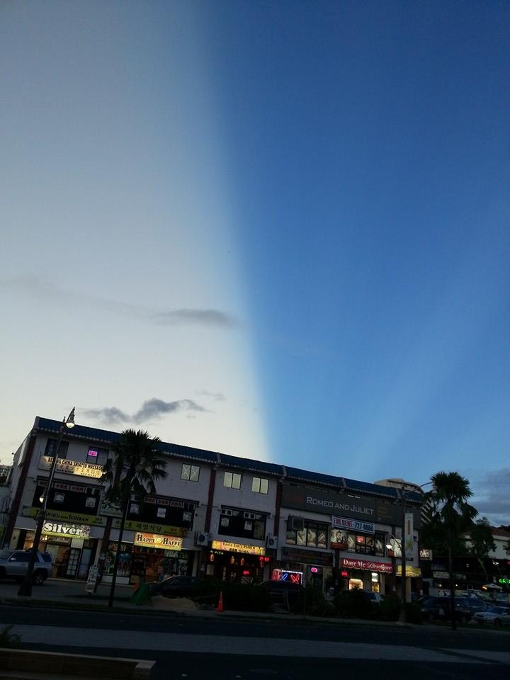 The same anticrepuscular ray over Guam from another perspective... It still cuts the sky in two! Amazing! Photo: Reddit, Anticrepuscular Ray photo on Guam on June 19 2014, Anticrepuscular Ray, Anticrepuscular Ray photo, Anticrepuscular Ray photo june 2014, Amazing Sky Phenomenon: Anticrepuscular Ray Cuts The Sky In Half On Guam!, anticrepuscular ray, anticrepuscular ray guam june 2014, strange sky phenomenon over guam, why was sky cut in two over guam, amazing sky phenomenon over Guam: Anticrepuscular rays cut the sky in two, best anticrepuscular ray photo, most incredible anticrepuscular ray photo, amazing picture of anticrepuscular ray on Guam, ska of guam cut in two by anticrepuscular rays june 2014, anticrepuscular rays cut sky in two in Guam, guam sky cut in two by anticrepuscular ray june 2014, amazing sky phenomenon: anticrepuscular ray, best anticrepuscular ray photo june 2014 guam, The sky over Guam was caught in two by an incredible  sky phenomenon called anticrepuscular ray. Photo: Reddit, crepuscular ray, anticrepuscular rays, amazing phenomenon, amazing nature phenomenon, weird sky phenomenon, strange sky phenomenon, best nature photo, best sky phenomenon photo, june 2014