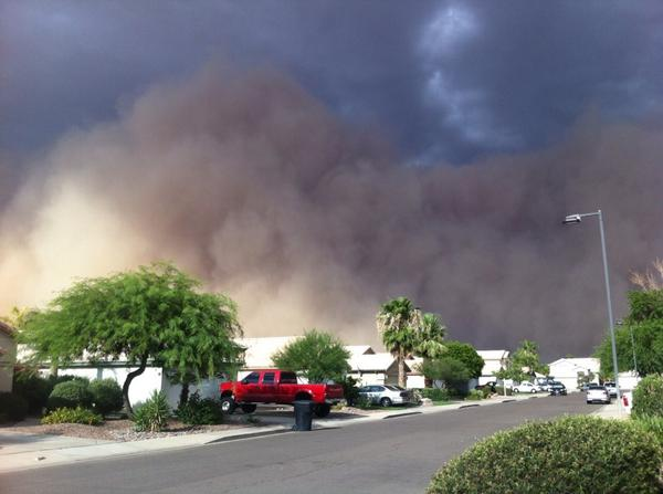 haboob, dust storm, us haboob july 2014, haboob phoenix july 2014, dust storm phoenix july 2014 photo and video, haboob phoenix july 25 2014, dust storm phoenix july 2014, dust storm phoenix july 25 2014, massive dust storm phoenix july 2014 video, photo haboob phoenix july 2014, phoenix haboob dust storm july 2014, dust storm video july 2014, us haboob july 2014, phoenix haboob photo, phoenix dust storm photo video july 2014, dust storm, sand storm, haboob, phoenix, july 2014, video, photo, The apocalyptic sand of wall engulfed houses and cut electricity for thousands of people.. Photo: Twitter user: