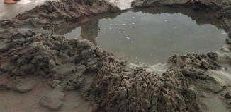 lightning crater, lightning hole, lightning crater daytona beach july 2014, lightning hole daytona beach july 2014, photo lightning hole florida july 2014, photo lightning crater july 2014 daytona beach florida, florida lightning hole, daytona beach lightning crater photo, This hole on Daytona Beach was dug by a lightning strike on July 22 2014. Photo: Blaine Tolison (@BTolisonWFTV) & Volusia Beaches (@VolusiaBeach)