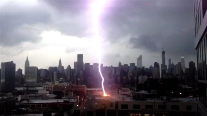 lightning storms NYC, New York lightning and thunder storms july 20 2014, lightning hits house in New York, New york house hit by lightning july 2014, lightning storm NYC july 2014, NYC lightning and thunderstorm video july 2014, photo thunderstorm new york july 2014, video thunderstorm NY july 2014, New york lightning hits house july 2014, thunderstorm season, beginning us lightning storm, us thunderstorm season starts, when does thunderstomr sea sonarts in the USA, us thunderstorm season 2014, Severe weather swept over New York city on July 2 2014. The beginning of a big thunderstorm season?