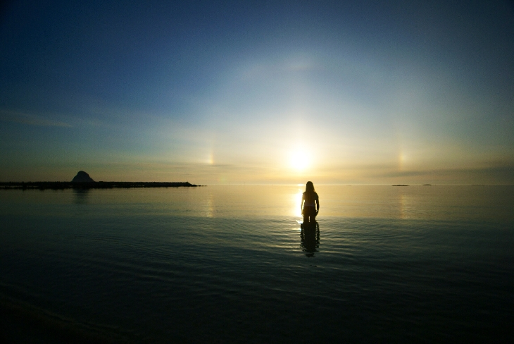 Amazing sky phenomenon: Amazing sundog during midnight sun appears over Norway On July 22 2014. Photo: Stine Bratteberg, midnight sun and sundog photo july 2014, midnight sundog norway july 2014, photo of midnight sundog norway july 2014, sundog, sundog photo, midnight sun, midnight sun photo, sundog at midnight photo, sundog midnight sun photo, photo of midnight sundog norway july 2014, Sundog and midnight sun together... A midnight sundog must be baffling and amazing!, photo of midnght sundog over norway july 2014