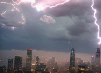 lightning willis tower, lightning sears tower, willis tower hit by lightning june 30 2014, The Willis (Sears) Tower in Chcago was struck by three lightnings in a row on June 30 2014. Photo Getty Images, lightning willis tower photo, lightning sears tower photo, lightning willis tower video, lightning sears tower video, , lightning willis tower photo june 30 2014, lightning sears tower photo june 30 2014, lightning willis tower video june 30 2014, lightning sears tower video june 30 2014,