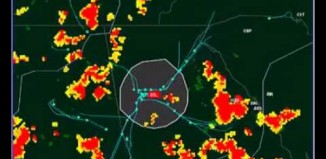 airplane thunderstorm radar manoeuvers, Watch what happens when thunderstorms strike the world's busiest airport, Atlanta-Hartsfield. It is hypnotically awesome! Photo: Youtube video, Watch what happens when thunderstorms strike the world's busiest airport, Atlanta-Hartsfield, Airplanes directed around thunderstorms is hypnotically awesome!