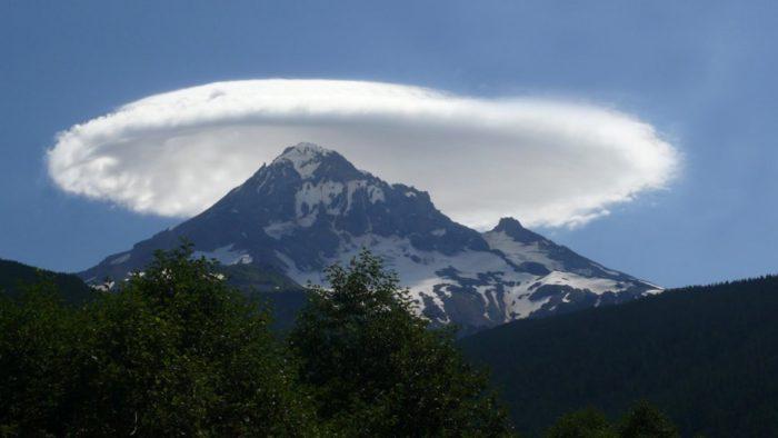 Nuages lenticulaires, des nuages ufo, lenticulaire nuages photo, des nuages lenticulaires meilleure photo, ufo lenticulaire nuages photo