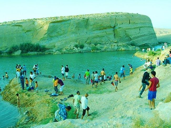 Gafsa Beach, gafsa lake, mysterious lake gafsa, mysterious gafsa lake appears in Tunisian desert, mystery lake in tunisia, mystery lake tunisia desert, lake appears mysteriously in gasfa tunisia, tunisia mysterious lake gafsa, gasfa mysterious lake tunisia desert, Gafsa Beach: Mysterious Lake Discovered In Tunisian Desert. Paradise or Poison? This mystery lake appeared out of nowhere in Tunisia and may be radioactive., A view of this crater filled with water near gafsa in the Tunisian desert. Photo: Facebook, A view of Gafsa lake or Gafsa Beach. This mysterious crack or crater filled with water was discovered near Gafsa in the Tunisian desert. Photo: Facebook