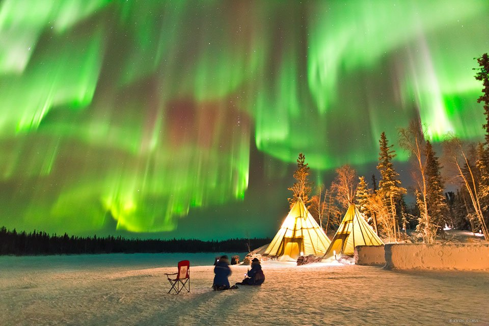 [Image: northern-lights-aurora-yellowknife.jpg]