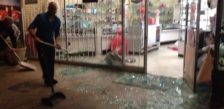 Northern California quake august 24 2014, california quake august 24 2014, california quake, magnitude 6 northern california earthquake, Northern California quake: The magnitude 6 earthquake broke windows of this shop in Vallejo, California on August 24, 2014. Photo: Twitter