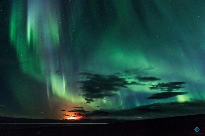 Bardarbunga northern lights, aurora over Bardarbunga, northern lights over Bardarbunga, Glowing Northern Lights Engulf Erupting Bardarbunga Volcano, Bardarbunga northern lights, Northern lights engulf the erupting Bardarbunga volcano. Photo: Gísli Dúa Hjörleifsson, volcano, volcanic erution, bardarbunga, iceland, northern lights, aurora borealis, photo