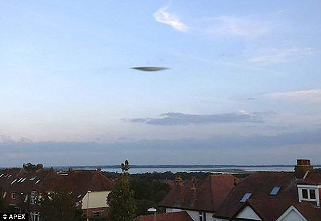 ufo sightings, UFO sightings Portsmouth, What is this weird silver object in the sky of Portsmouth?UFO spaceship, alien spaceship, alien in Portsmouth, Portsmouth alien