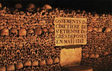 catacombes, visit the catacombs in Paris underground tunnels, catacombes paris, visit catacombes paris, underground paris, paris underground catacombes, les catacombes photo, photo catacombes paris, paris, paris tunnel, paris underground, paris mines, paris carrière, paris mining activity, paris danger, underground mining tunnels under paris, paris sinkhole, paris could collapse, what about paris collapsing?They filled up the tunnels with bones... Not really stabil, isn't it?, paris, paris underground, paris sinkhole, paris mines, paris geology
