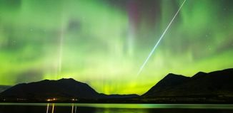fireball strikes aurora photo, fireball and aurora photo, fireball photo, aurora photo, aurora photo 2014, aurora canada 2014 photo, fireball striking through northern lights, fireball strikes aurora, Photo of a fireball striking through northern lights near Carcross, Yukon. Photo by Joseph Bradley