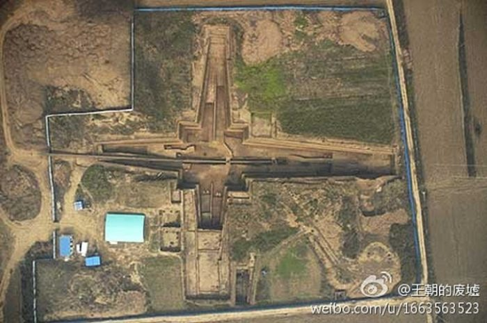 giant tomb complex found in China, china emperor tomb complex, tomb complex china emperor, This is the second largest tomb found in China. It was most probably built by first emperor, Qin Shi Huang, for his grandmother, ancient tomb, giant ancient tomb, archeology, china mausoleum, largest china giant tomb, second largest tomb of china uncovered