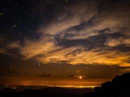 meteor colorado, meteor colorado september 2014, latest meteor report september 2014, meteor over colorado september 2014, large meteor fly over colorado september 2014, meteor denver colorado, An image of a meteor shower over Denver in Colorado. Not the actual fireball of yesterday. Photo: IMGUR