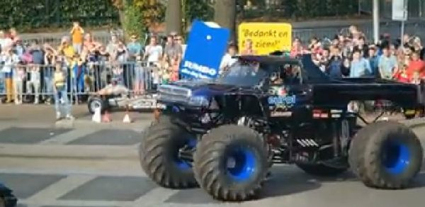 Monster truck, Monster truck accident, Monster truck accident Haaksbergen, monster truck Haaksbergen, Monster truck accident in The Netherlands on September 28, 2014. Photo: Youtube video