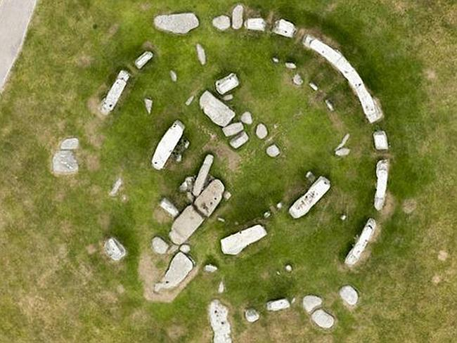 stonehenge, stonehenge photo, stonehenge mystery, stonehenge mystery solved, stonehenge mystery circle, stonehenge mystery solved, stonehenge mystery solved: it was built in a circle, Stonehenge was built in a circle! Photo: Snapper Media, stonehenge, mystery, stonehenge mystery, archeology, science, video