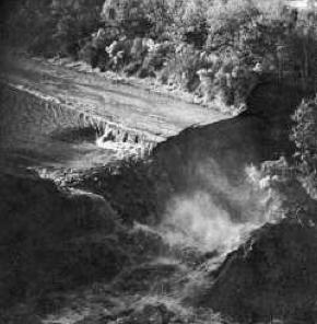 Lake Peigneur, Lake Peigneur sinkhole, Lake Peigneur sinkhole disaster, Lake Peigneur disaster video, Lake Peigneur sinkhole disaster video, Lake Peigneur disaster video, Lake Peigneur Waterfall disaster