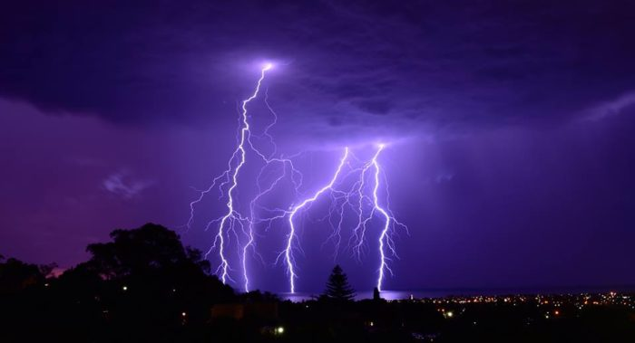Spectacular Lightning Storm Strikes Adelaide in Southern Australia on October 26 2014 Adelaide-lightning-storm-australia-october-2014-Brighton-Beach-SA.