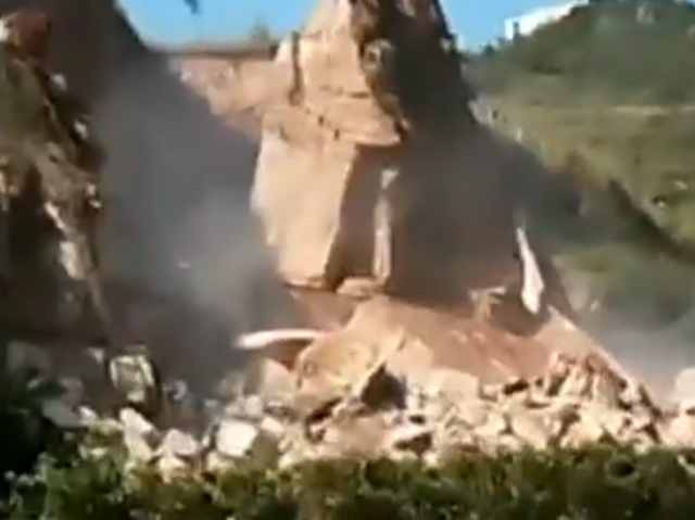 mountain collapse china, landslide video, landslide video china, mountain collapses video, mountain collapses in China video