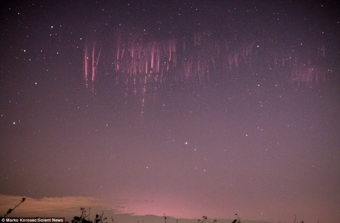 red sprites, red sprites photo, red sprites phenomenon photo, red sprites photo italy 2014, red sprites image octobre 2014, red sprites Italy october 2014, red sprite, red sprites phenomenon, sky phenomenon, light phenomenonred sprite photo, red sprite image
