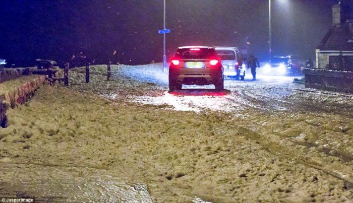 Sea foam, Sea foam news, Sea foam moray, Sea foam britain, Sea foam october 2014, Sea foam covers streets in in Lossiemouth, Moray