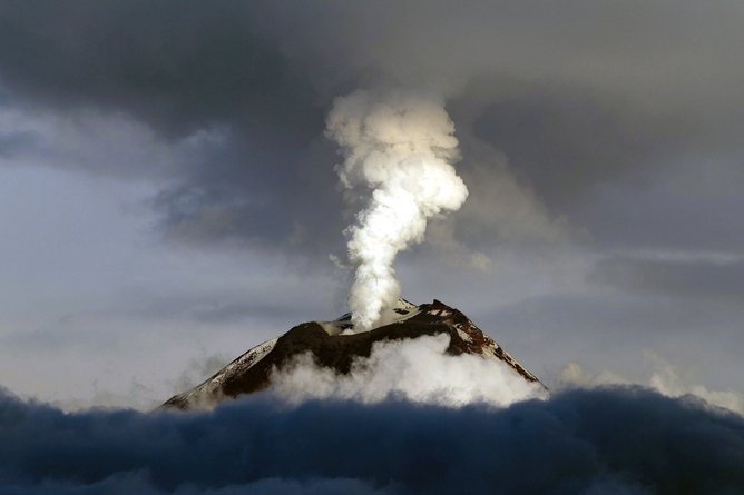 volcano season, volcanic eruption season, volcano seasonis there a volcano season, what creates volcano eruption, link between volcanic eruption and climate change, climate change vs volcanic eruption