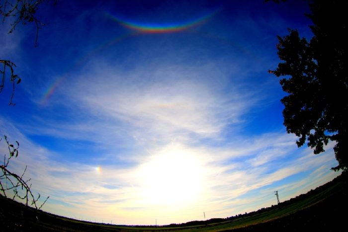 smile in the sky, inversed rainbow, Circumzenithal Arc, Halo and Sundog over Graben, Bavaria on  November 1, 2014. Photo: Dieter Kuespert