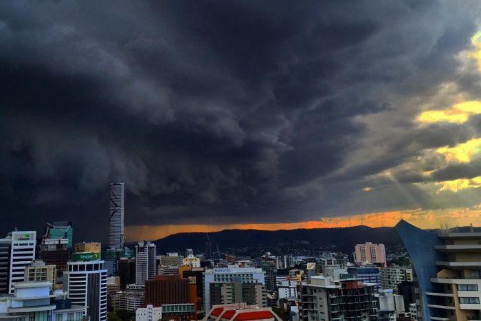 Zzzzap! 24 Lightning Photos in One | Greg Goodman. Travel ...