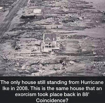the last house standing, ike exorcism, inforgraphic ike exorcism, last house standing hurricane ike, paranormal hurricane ik, paranormal infrographic, exorcism hurricane ike, exorcism and hurricane ike last house standing