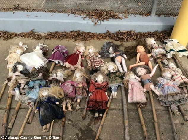 mysterious dolls alabama swamp, mysterious dolls swamp alabama, mysterious dolls swamp alabama nov 2014 photo, dolls swamp november 2014 alabama, alabama swamp dolls, porcelain dolls alabama swamp, mystery porcelain dolls alabama swamp, mysterious dolls alabama swamp, dollsa discovered in alabama swamp