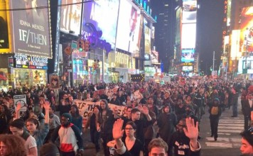 no indictment for Ferguson officer, no indictment for Ferguson police officer, mike Brown, ferguson riot november 24 2014, Protesters react to Ferguson grand jury decision, Protesters react to Ferguson grand jury decision: Protestors have just arrived in Time Square NYC