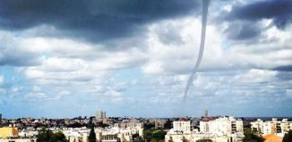 waterspout, waterspout photo, waterspout video israel, waterspout video and photo november 2014, best waterspout photo 2014, waterspout tel aviv israel, Giant and beautiful waterspout swept through Zel Aviv's marina on November 3, 2014