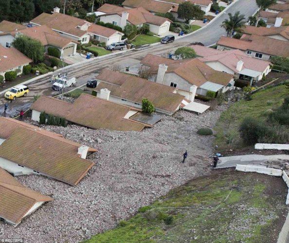 Camarillo Springs Mudslide, Camarillo Springs mudslide pics, Camarillo Springs Mudslide photos, Camarillo Springs Mudslide, Camarillo Springs Mudslide image, Camarillo Springs Mudslide video, Camarillo Springs Mudslide dec 2014, monster storm Camarillo Springs Mudslide dec 2014, monster storm SF bay area, Camarillo Springs Mudslide dec 2014 video, Camarillo Springs Mudslide dec 2014 pictures