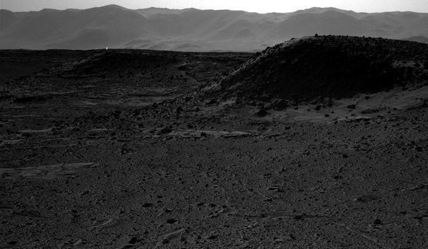 Mystery Light mars, Mystery Light mars geyser, mystery light surface of mars, Mystery Light mars surface