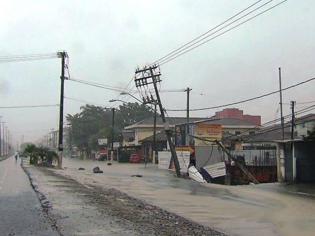sinkhole apocalypse, sinkhole apocalypse brazil 2014, sinkhole apocalypse Brazil dec 2014, cities in Brazil swallowed by sinkholes, sinkholes swallow cities in Brazil, sinkhole apocalypse Brazil